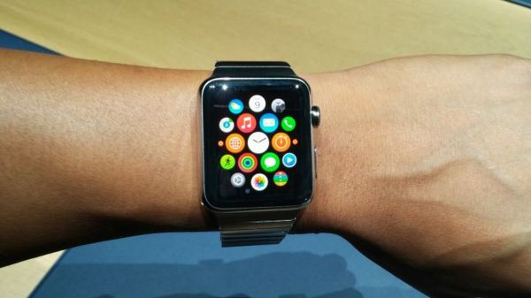 ea-responds-to-iphone-6-apple-watch-announcement_kqf1
